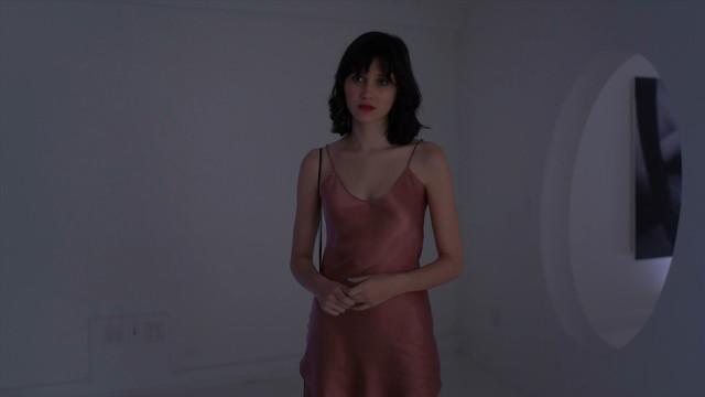 Julia Goldani Telles sexy - The Affair s05e04 (2019)