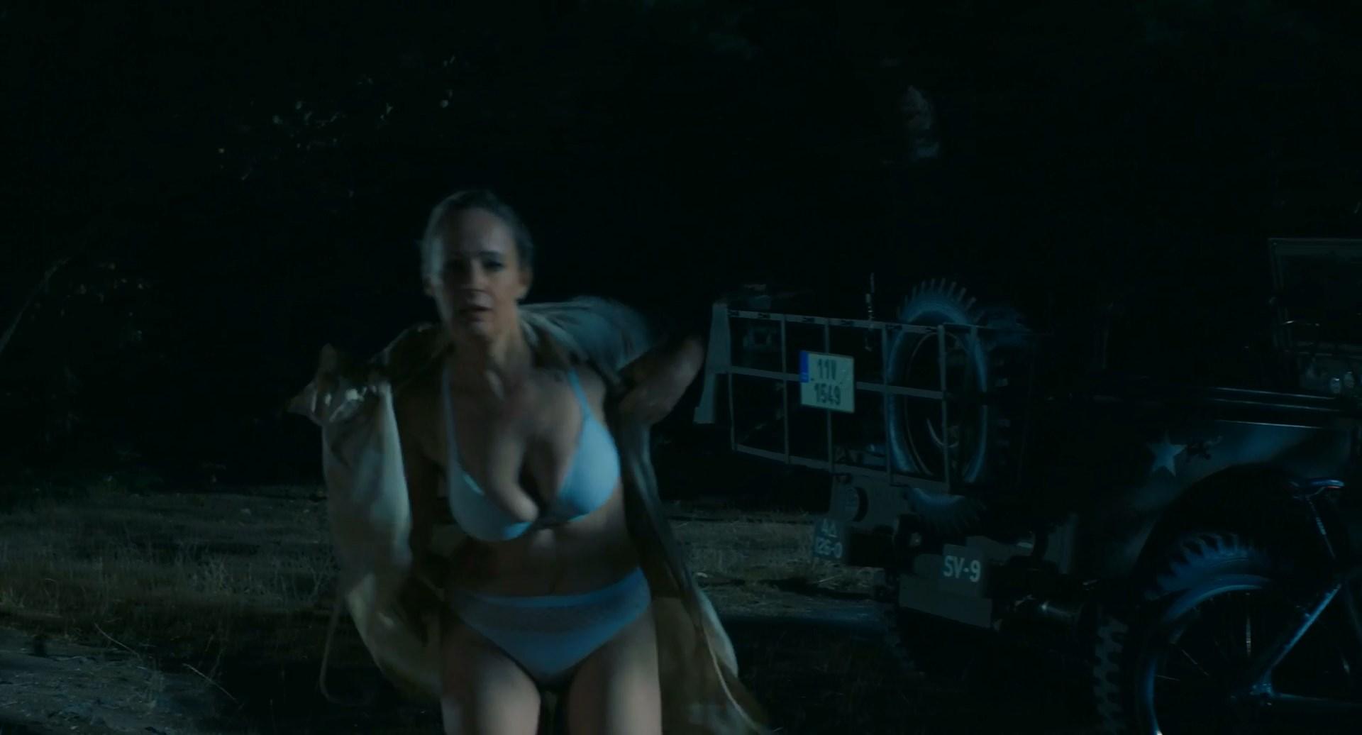 Alena Antalova sexy - Leto s gentlemanem (2019)