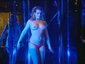 Anna Kulovana nude - Dobra ctvrt s02 (2008)