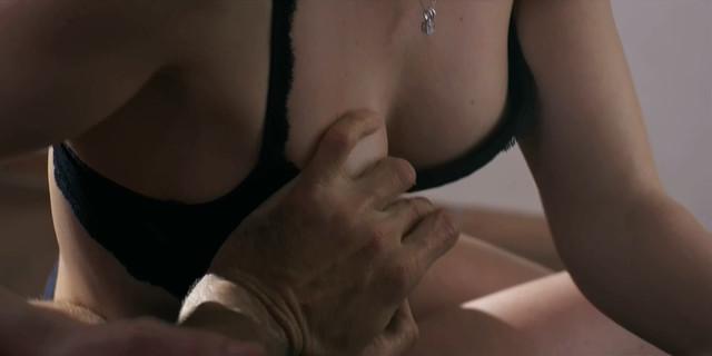 Maud Simon nude - L'assistante (2013)