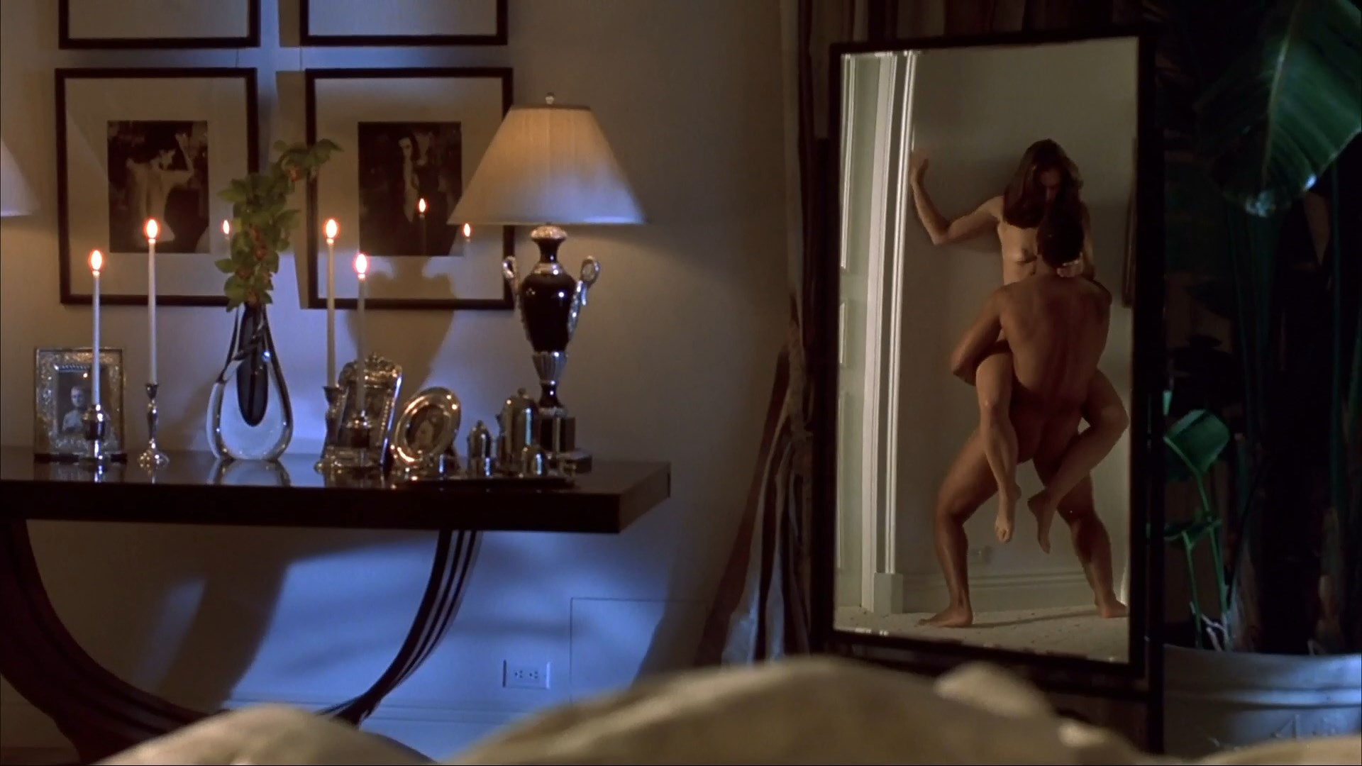 Ashley Laurence nude - A Murder of Crows (1998)