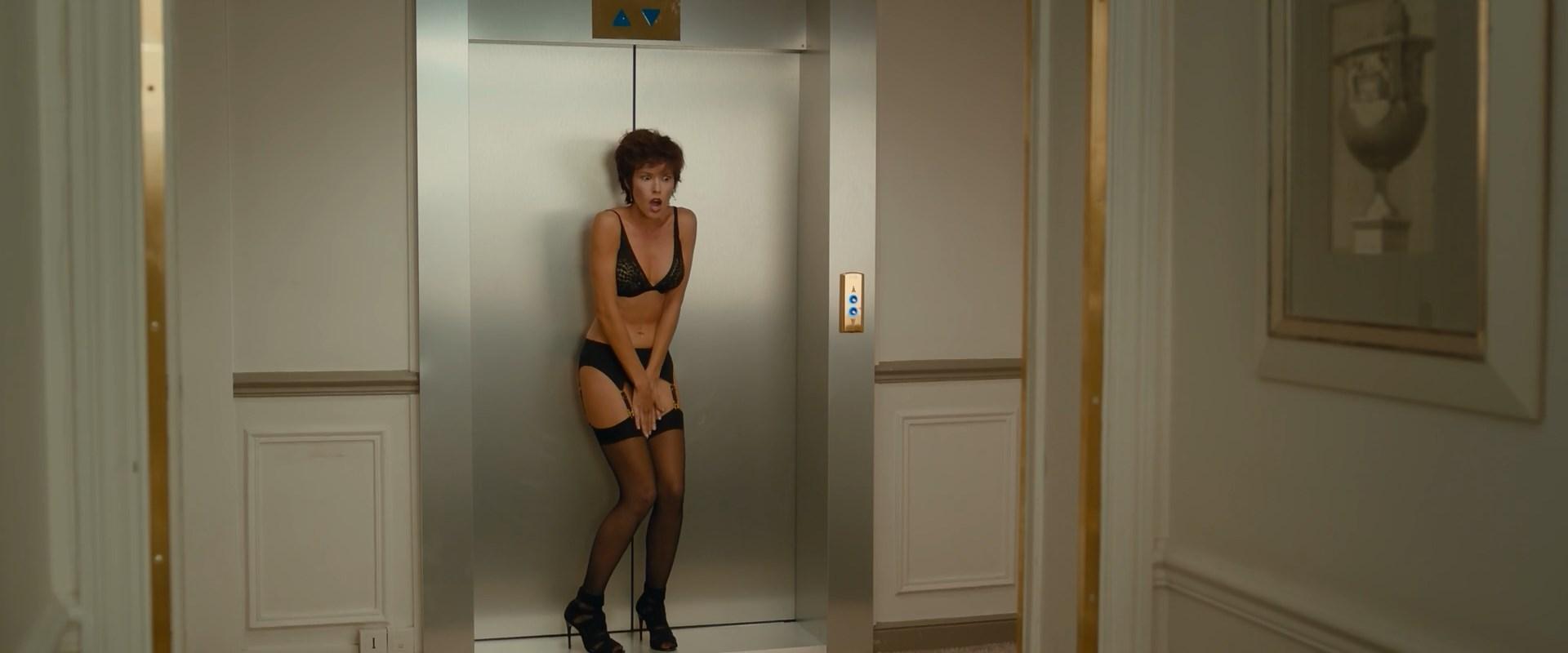 Elodie Fontan sexy - Nicky Larson et le parfum de Cupidon (2019)