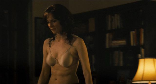 Laura Linney sexy - The Savages (2007)