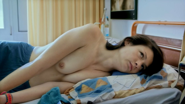 Marion Bott nude - Sandstern (2018)