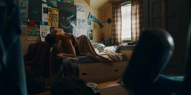 Danika Yarosh sexy - The Purge s02e03 (2019)
