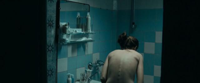 Anna Pereleshina nude - Capre diem (2018)