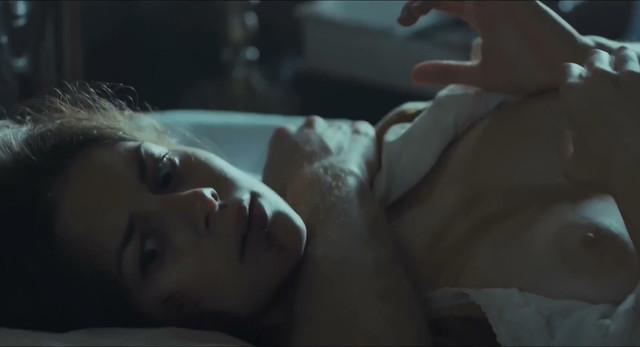 Joana Coelho nude - Madre Paula s01e02 (2017)