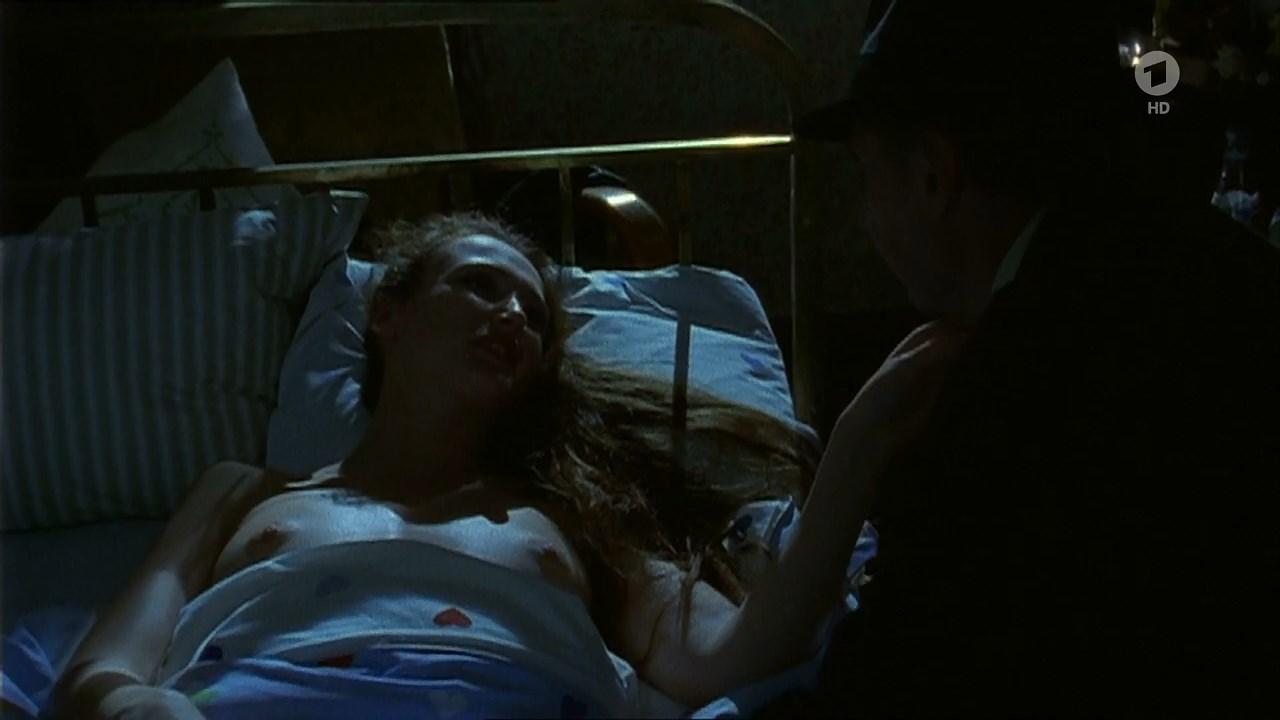 Deborah Kaufmann nude - Der Trinker (1995)