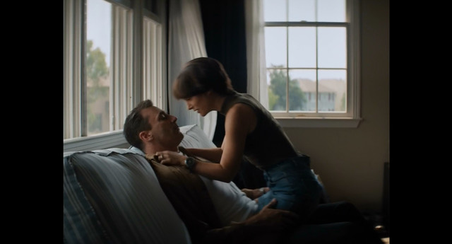Natalie Portman sexy - Lucy in the Sky (2019)