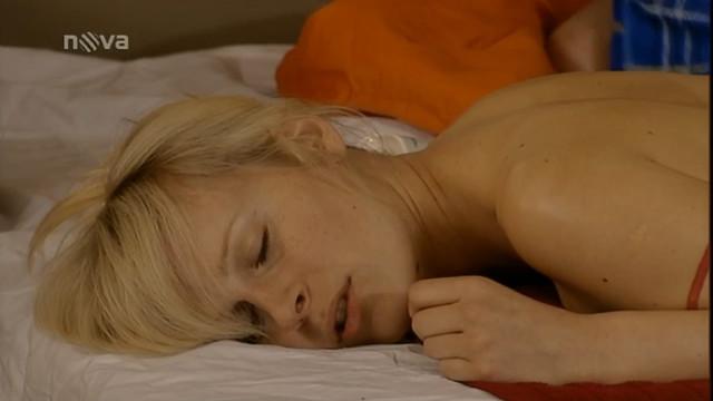Jana Sovakova sexy - Ulice (2012)