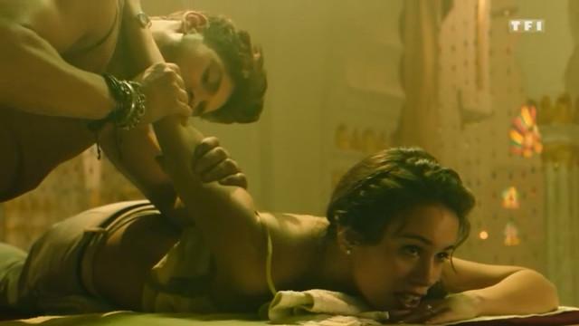 Lucie Lucas sexy - Coup De Foudre A Jaipur (2016)