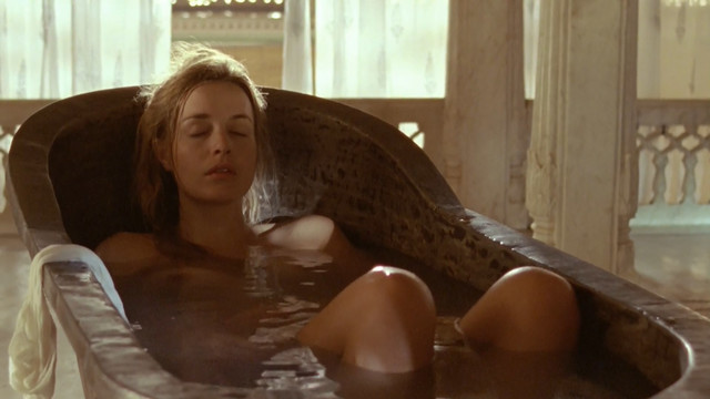 Lucy Brown nude - Sharpe's Challenge (2006)