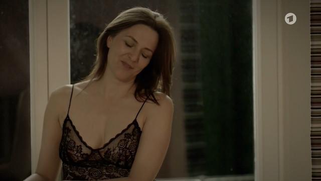 Martina Gedeck sexy - Halbe Hundert (2012)