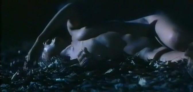Isabella Ferrari nude - Cronaca di un amore violato (1995)