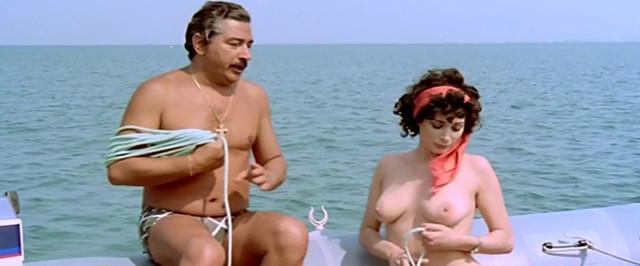 Edwige Fenech nude - Il vizio di famiglia (1975)