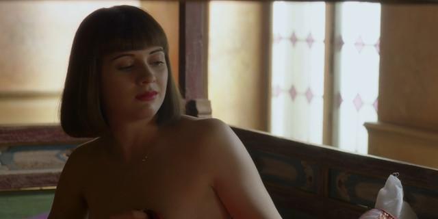 Miriam Podgornik nude - La Porta Rossa s01e04 (2017)