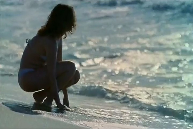 Malu Galli sexy - Areia (2008)