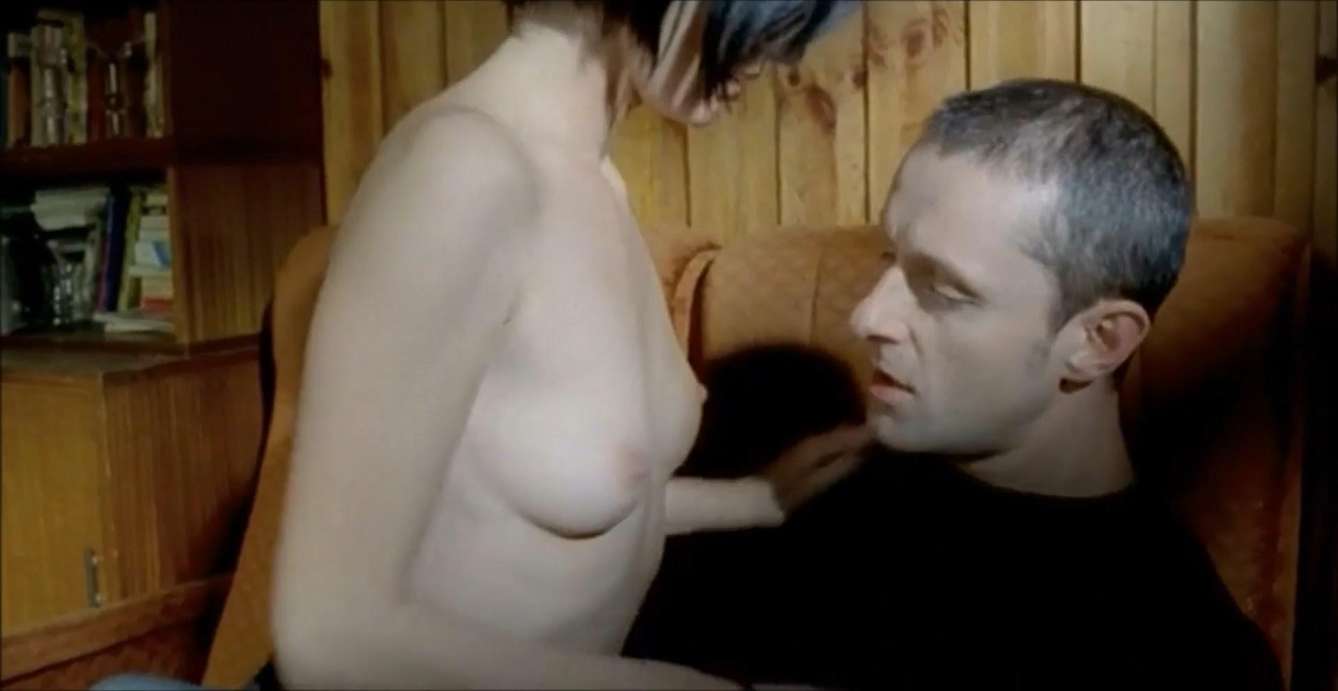Maja Ostaszewska nude - Przemiany (2003)