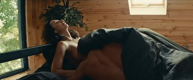 Aleksandra Poplawska nude - Underdog (2018)
