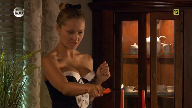 Malgorzata Socha sexy - Prosto w serce s02e140  (2011)