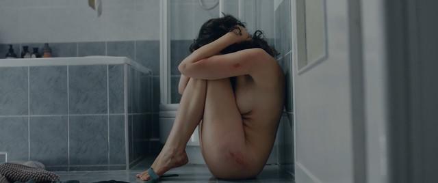 Maria Debska nude - Zabawa, zabawa (2018)