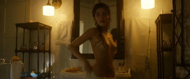 Michalina Olszanska nude - Koronatsiya s01e01-04 (2019)