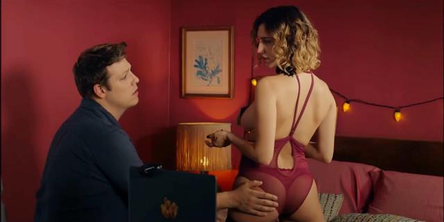 Lorena Comparato sexy - Homens s01e06 (2019)