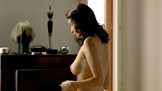 Soraia Chaves nude - Call Girl (2007)