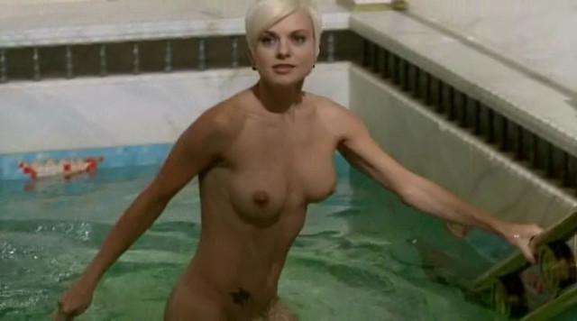 Catalina Grama nude - Poker (2010)