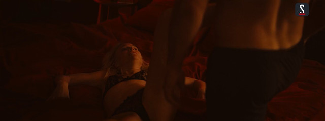 Ekaterina Malikova sexy - V kletke s01e01 (2019)