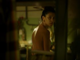 Ravshana Kurkova nude - A u nas vo dvore s01e04 (2014)