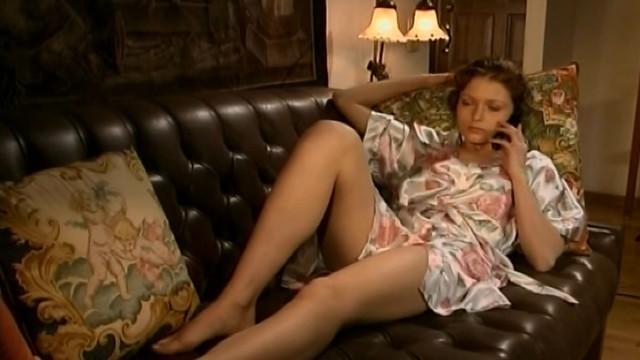 Elvira Bolgova nude - Vremya-dengi s01e02 (2004)