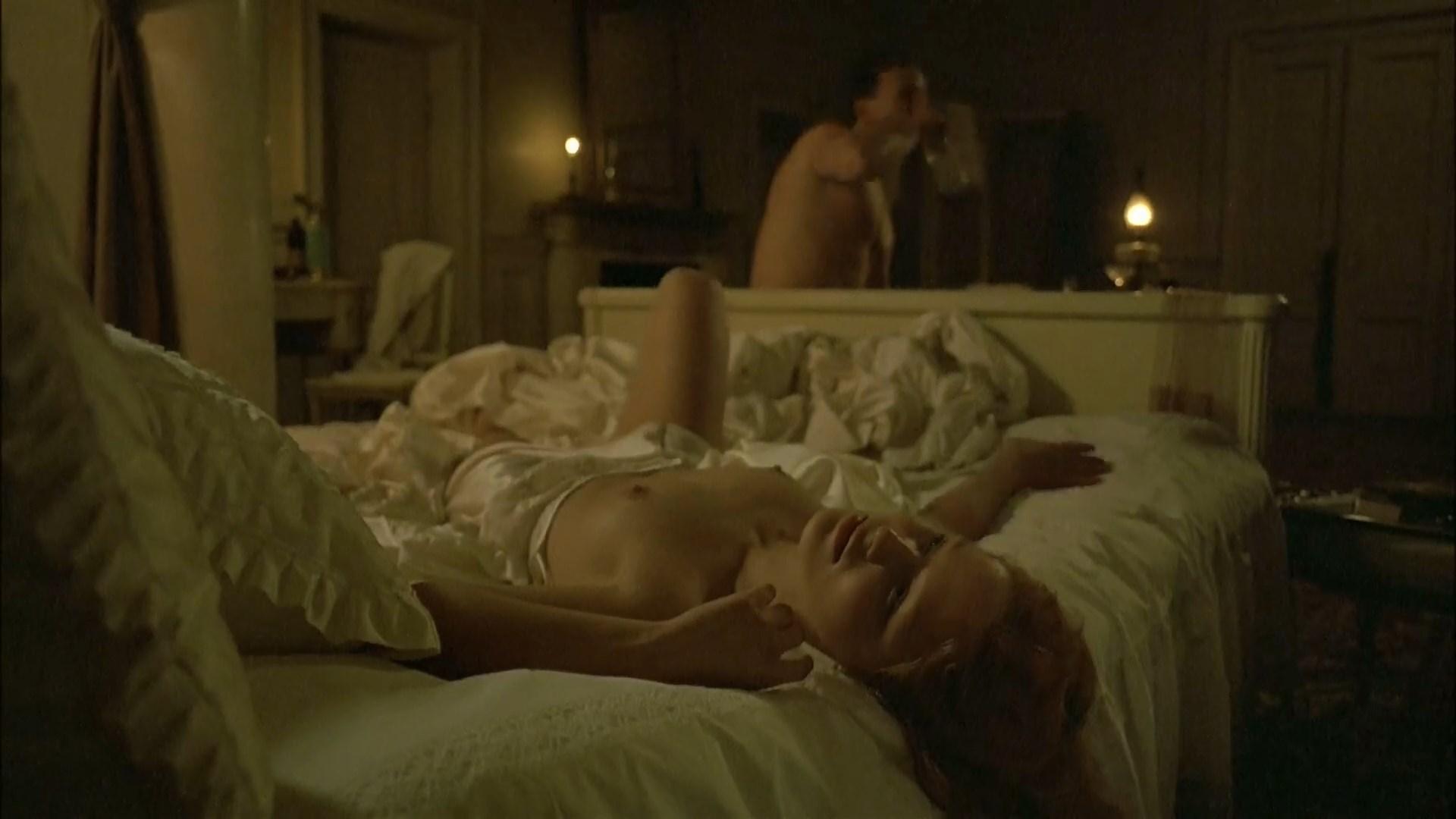 Mariya Semyonova nude - Der Untergang (Downfall) (2004)