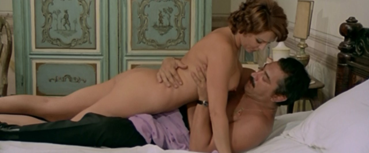 Nieves Navarro nude - Il vizio di famiglia (1975)