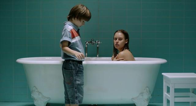 Manuela Velles nude - El orden de las cosas (2010)