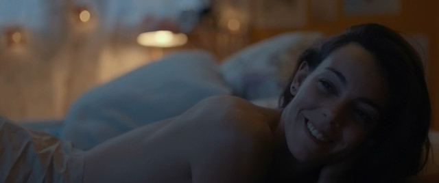 Vicky Luengo nude - Barcelona, Nit D'Hivern (2015)