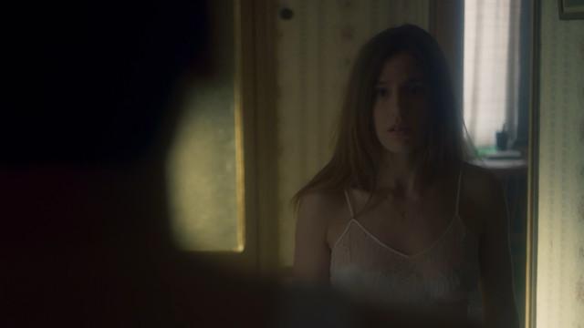 Marina Salas sexy - Hache s01e05 (2019)