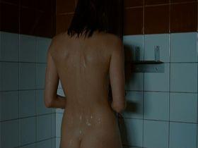 Malin Crepin nude - I skuggan av varmen (2009)