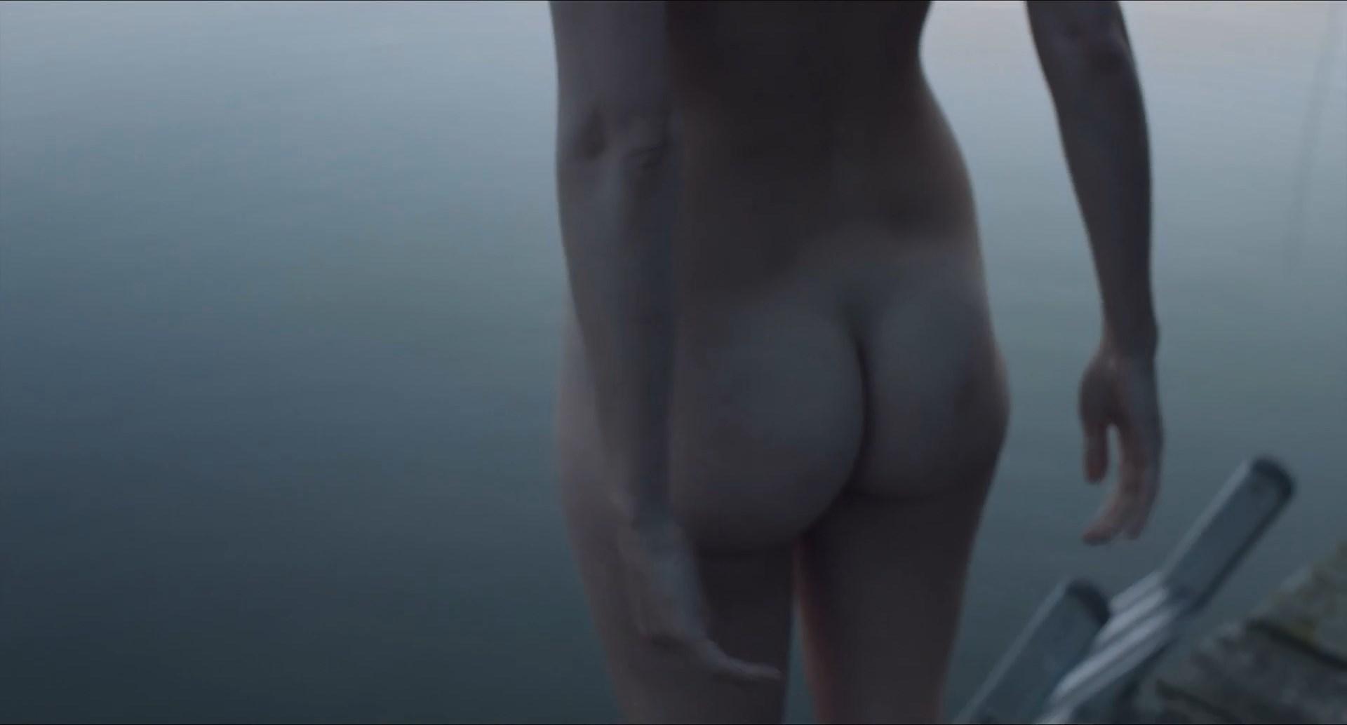 Malin Crepin nude - Lulu (2014)