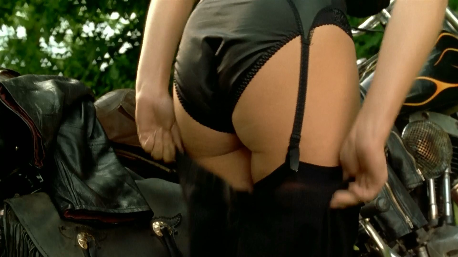 Helen Millar  nackt