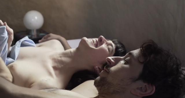 Flor Dragonetti nude - Somos tr3s (2018)