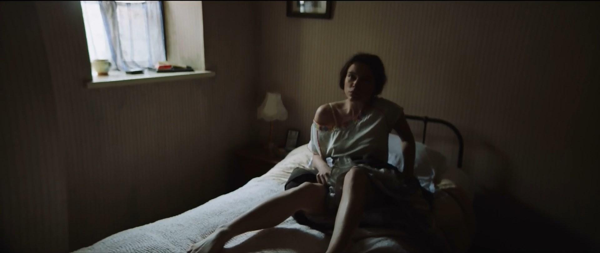 Sophie Cookson sexy - Pleader (2017)
