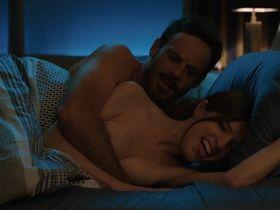 Anna Kendrick sexy - Love Life s01e02 (2020)