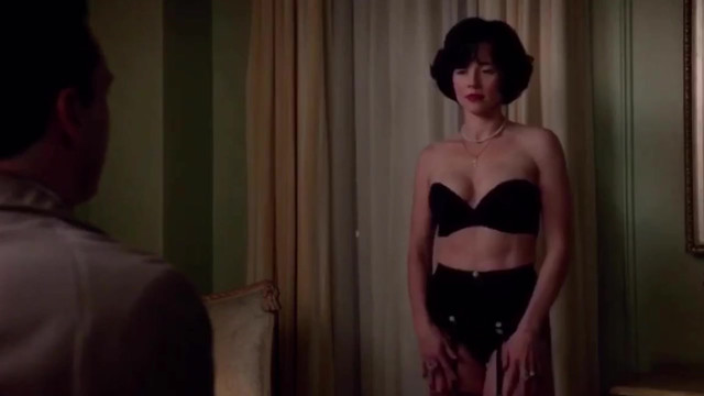Linda Cardellini sexy - Mad Men (2015)