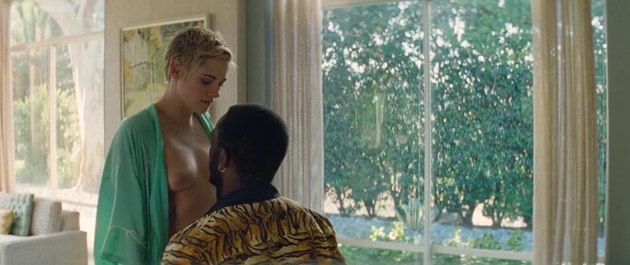 Kristen Stewart nude, Margaret Qualley sexy - Seberg (2019)