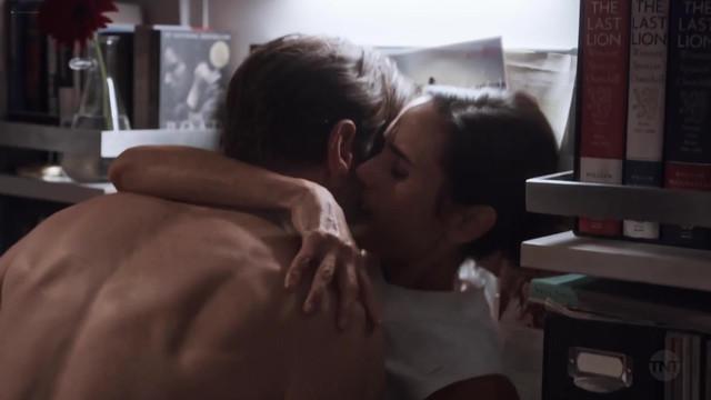 Jennifer Connelly sexy - Snowpiercer s01e05 (2020)