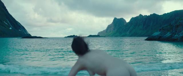 Jenny Slate nude - The Sunlit Night (2019)