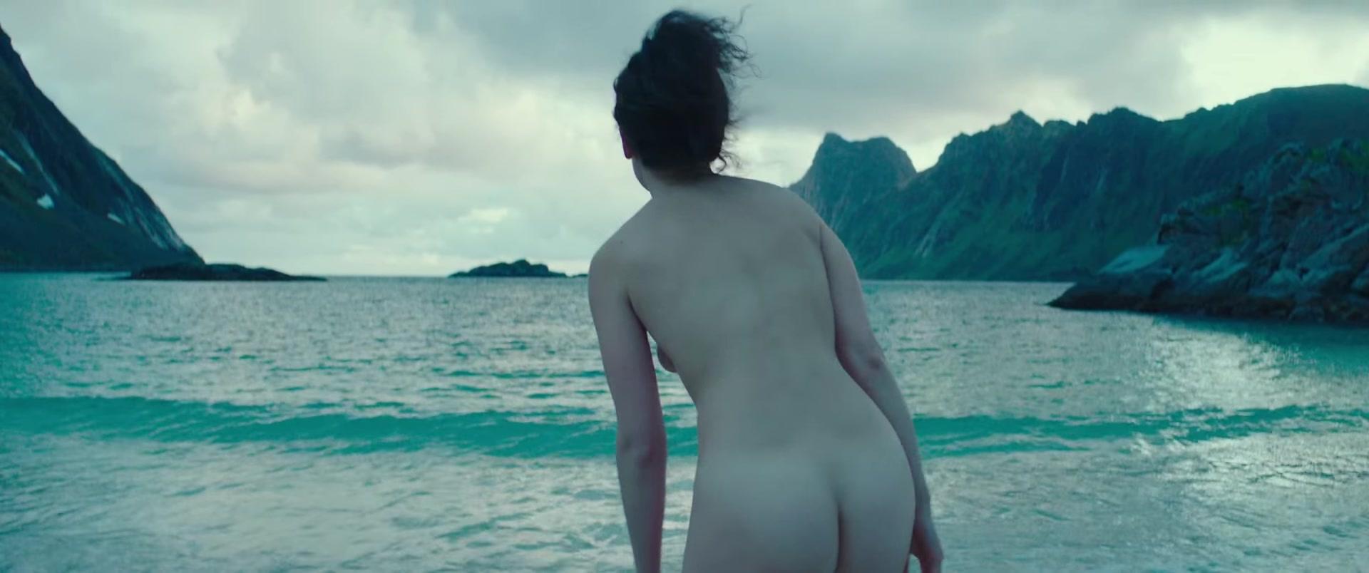 Slate  nackt Jenny Charlie Day,