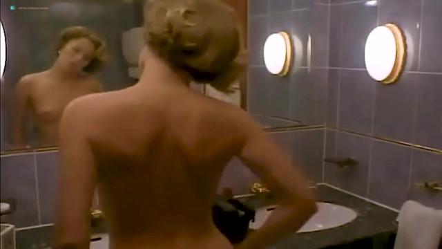 Patsy Kensit nude - Twenty-One (1991)