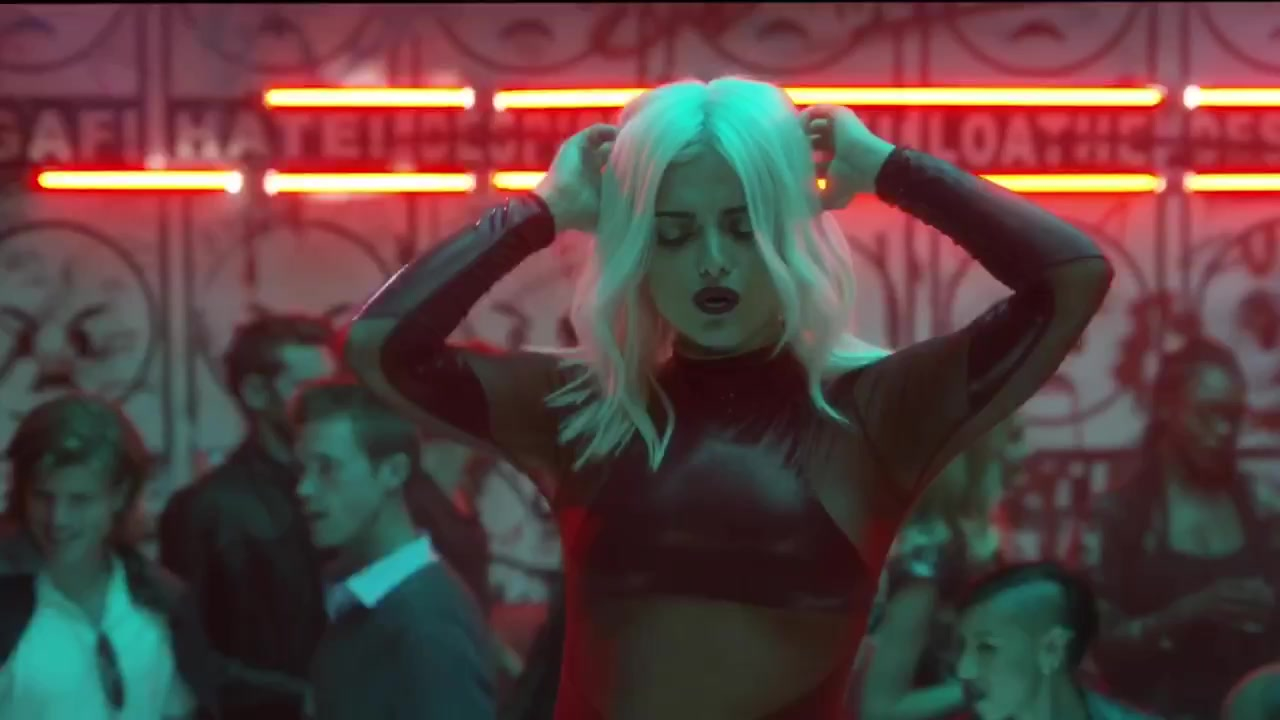 Bebe Rexha sexy - Keys Of Christmas (2016)